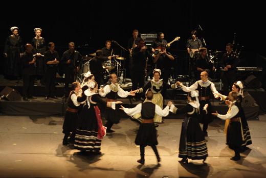 salle avel dro Plozévet groupes bretons